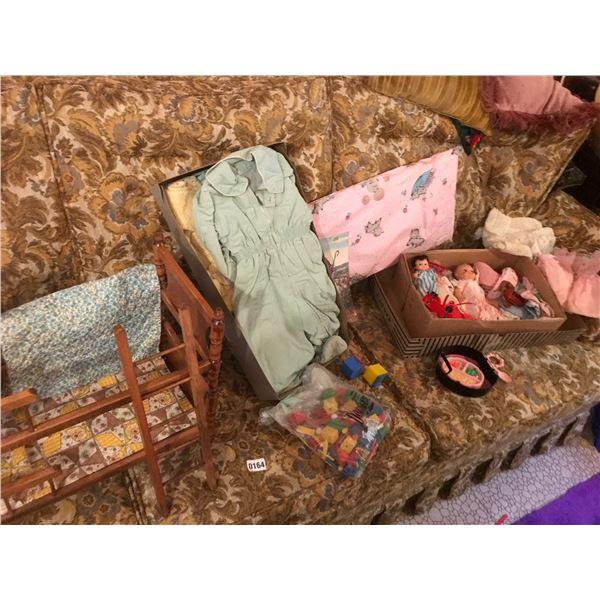 Doll Bunk-bed, Vintage Baby Clothes, Building Blocks & Dolls/Clothes