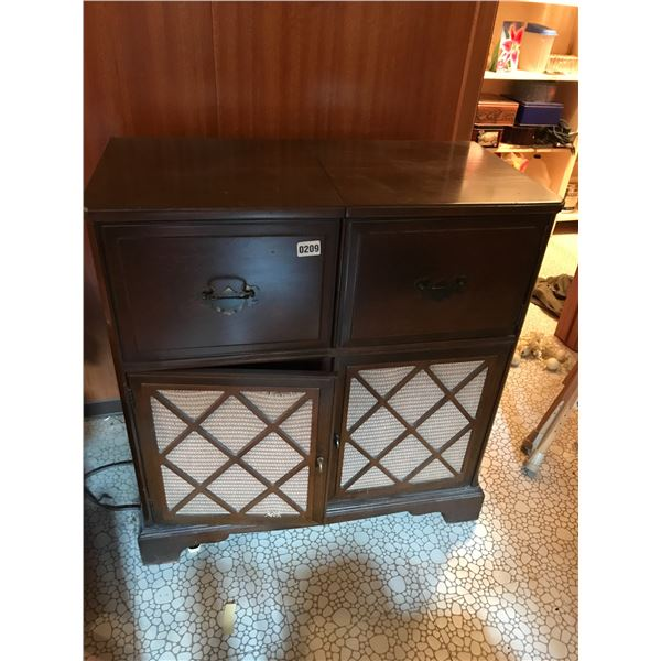 Wood GE Record Player adn Cabinet with Shortwave Radion & Assorted Records