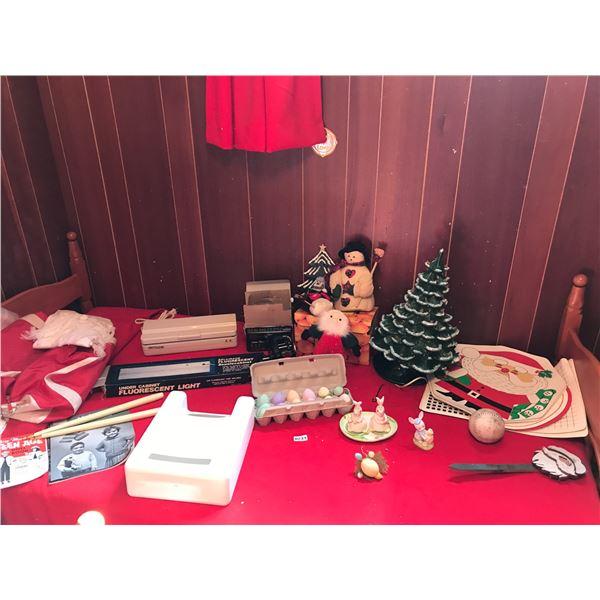 Large Christmas Tree Light, Christmas/Easter Decorations, Florescent Light, Decosonic & Asst Home De