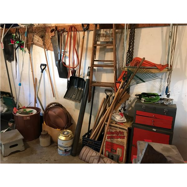 Garden Tools, Tool Chest/Tools & Wood Step Ladder