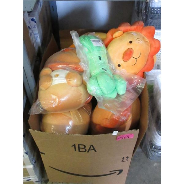 """15 New Plush Toys - 13"""" Lions & 8"""" Creepers"""