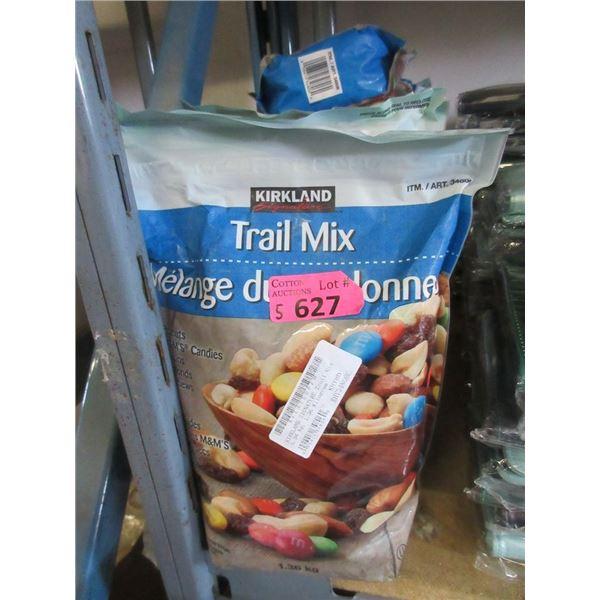 5 x 1.36 kg Bags of Kirkland Trail Mix