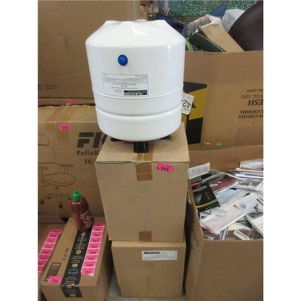 2 New Flexcon Reverse Osmosis Tanks