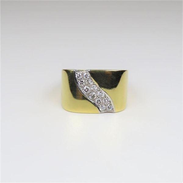 Extra Fine Designer 18 karat Diamond Ring