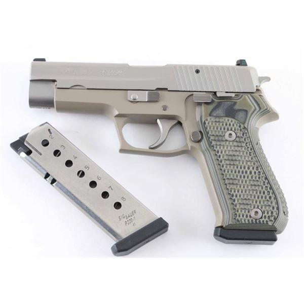 Sig Sauer P220 .45 ACP SN: G167930
