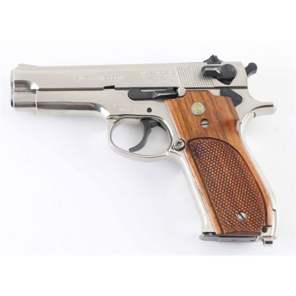 Smith & Wesson 39-2 9mm SN: A588190
