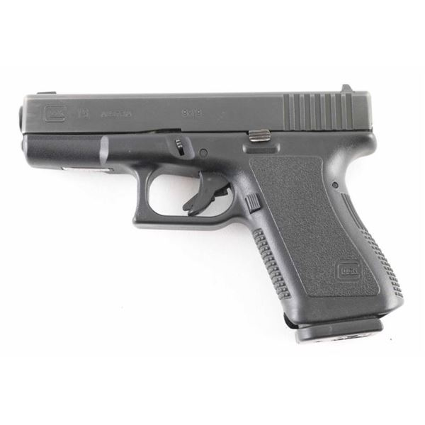 Glock 19 Gen 2 9mm SN: APX374US