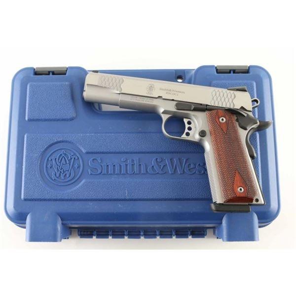 Smith & Wesson SW1911 .45 ACP SN: UCS8392