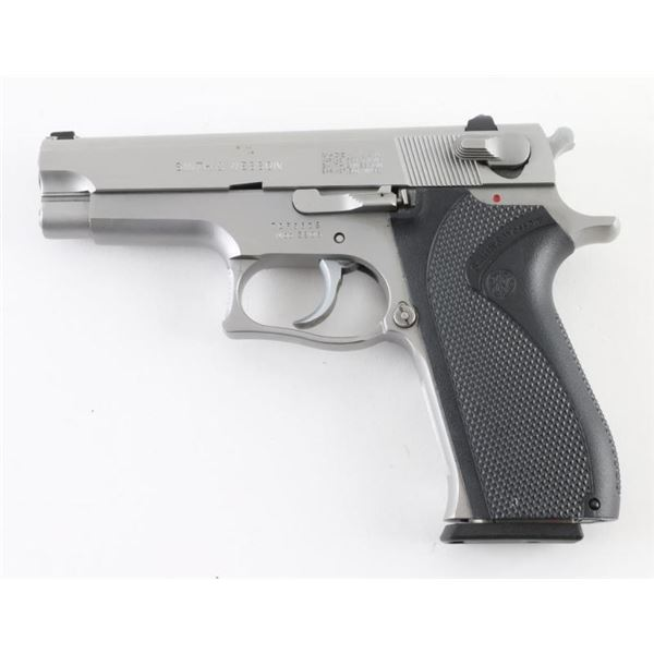 Smith & Wesson 3906 9mm SN: TCF5809