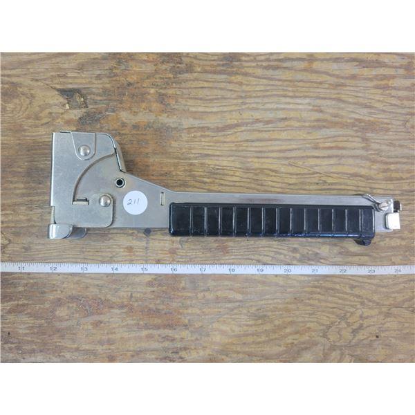 Staple Hammer