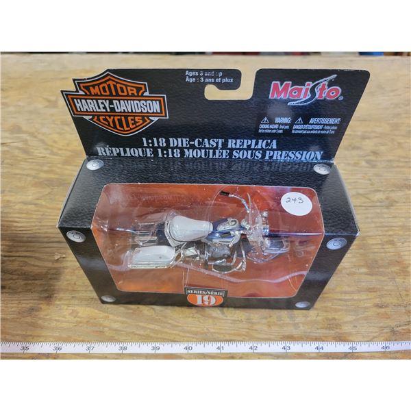1:18 Scale Die-Cast - Harley-Davidson - 1966 FLH Electra Glide