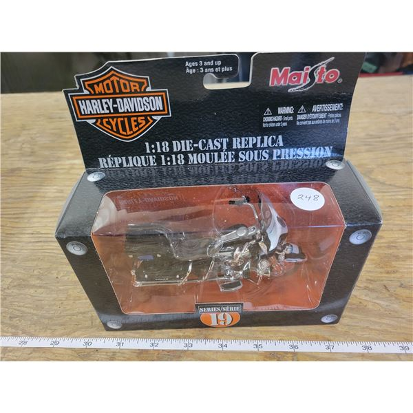 1:18 Scale Die-Cast - Harley -Davidson - 2004 FLHTPI Electra Glide - Police
