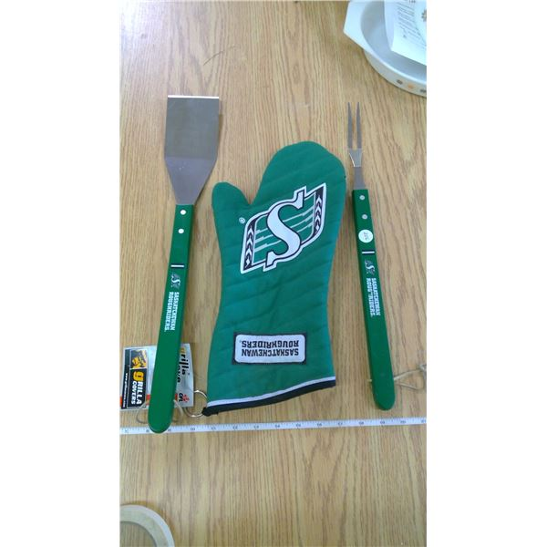 Sask Rider Barbecue Set (Gift-Never Used)