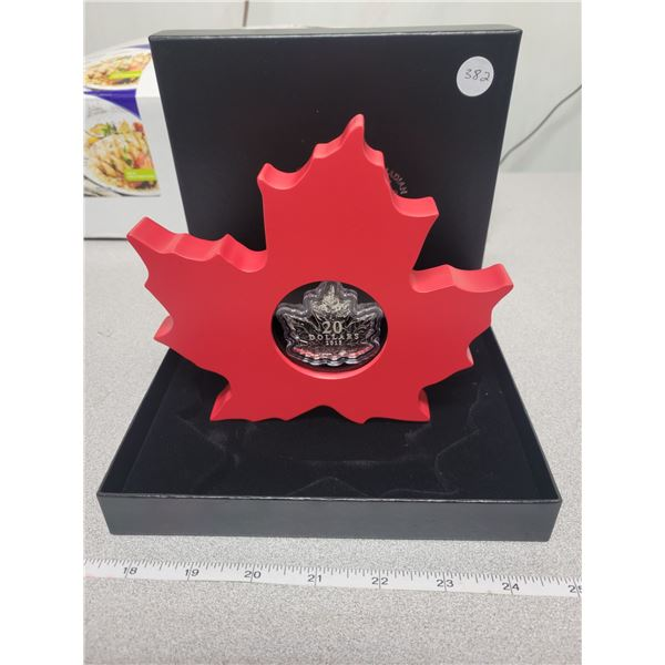 2015 - $20.00 -Canadian Maple Leaf with mountable display stand