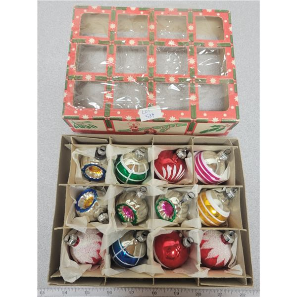 Vintage (12) Xmas tree ornaments - Made in Eastern Germany