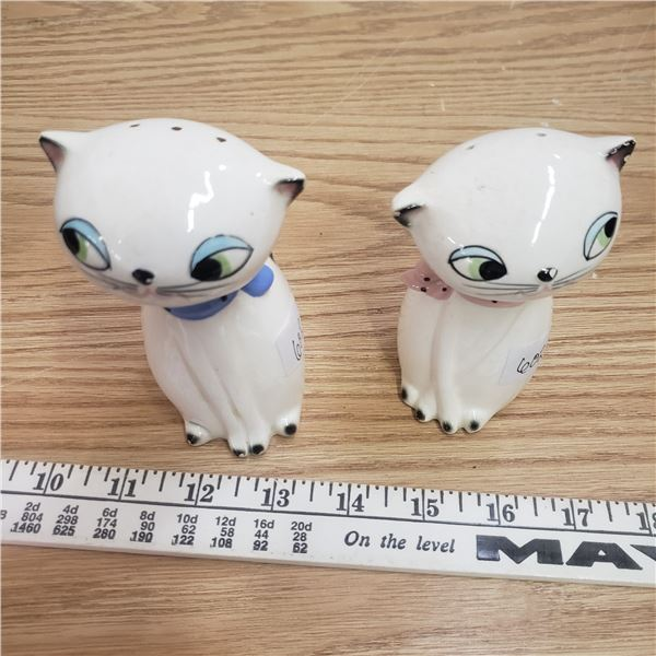 Holt Howard Cozy Cat Salt and Pepper shakers