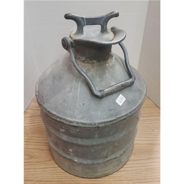 Antique W.D. Beath 5 Imp Gallon galvenrun fuel can