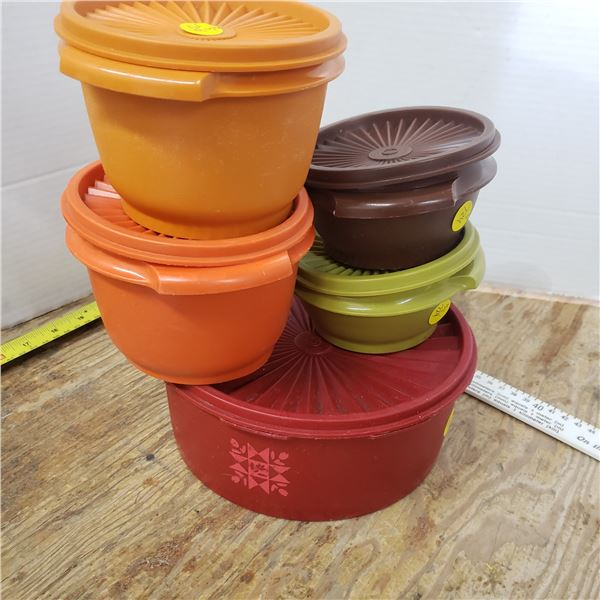 5 vintage small tupperware containers