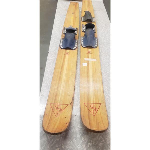 vintage wooden water skis Simpson Sear Simpson little under 6'
