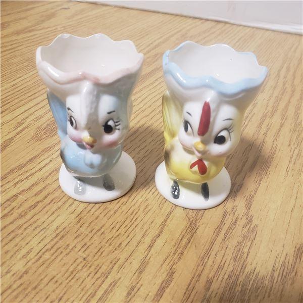 2 chicken egg cups