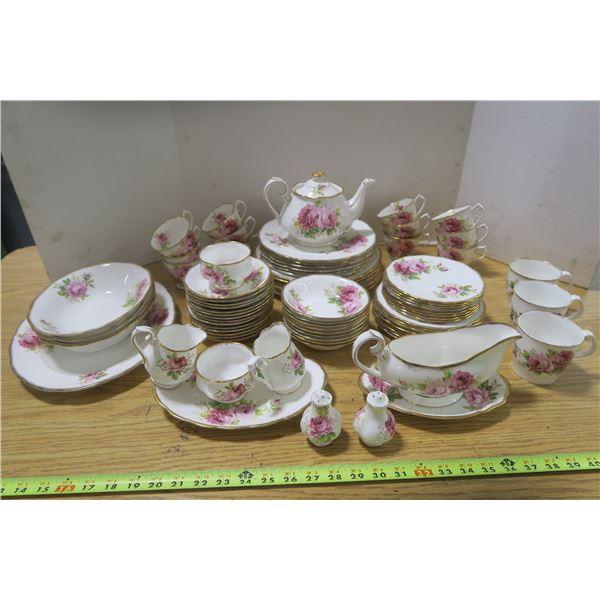 """Royal Albert """"American Beauty"""" Pattern Dining Set Fine China"""