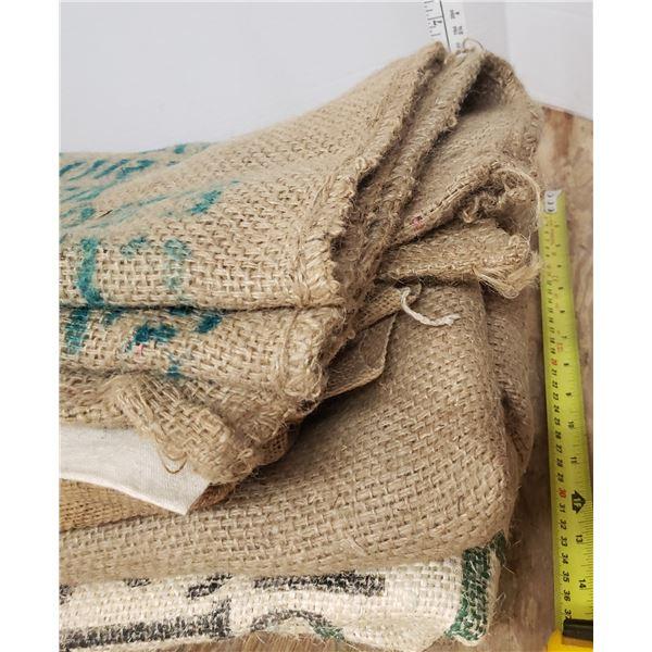 Burlap and other sacs sacks