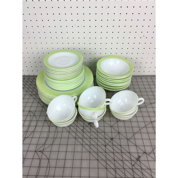 VINTAGE PYREX PLATES SAUCERS CUPS BOWLS SET SOME STAINING AND USAGE WEAR