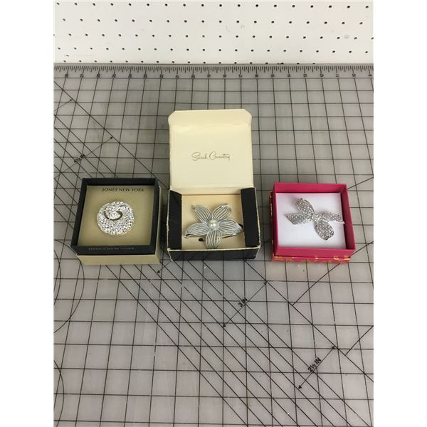 LOT OF BOXED VINTAGE BROACHES