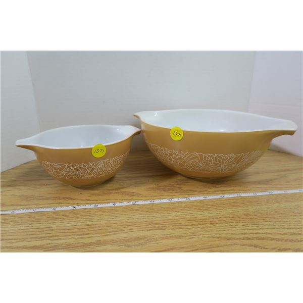 Set of 2 Tan Pyrex Bowls With Flower Pattern