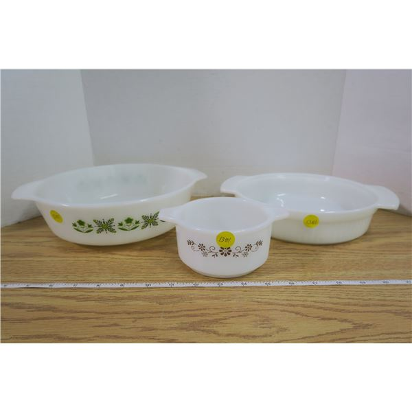 3 Pieces of White Bakeware