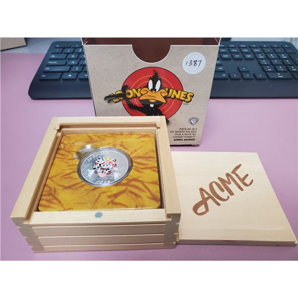 2015 - RCM - $20.00 Fine Silver Depicting Seven Looney Tune Characters in ACME wooden display box