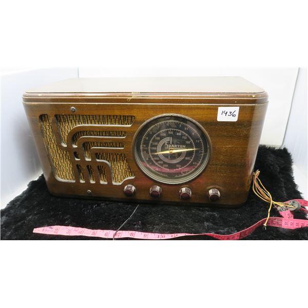 SPARTAN SHORTWAVE WOODEN BOX RADIO