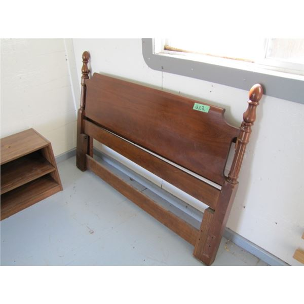 cherry wood queen headboard with mismatched footboard