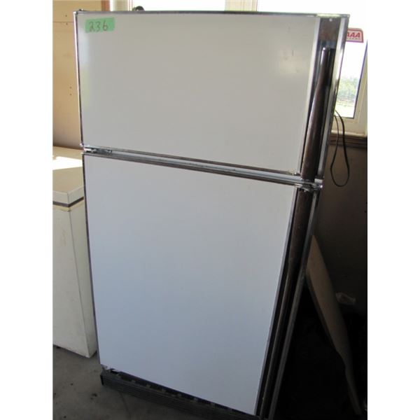 GE frost-free fridge