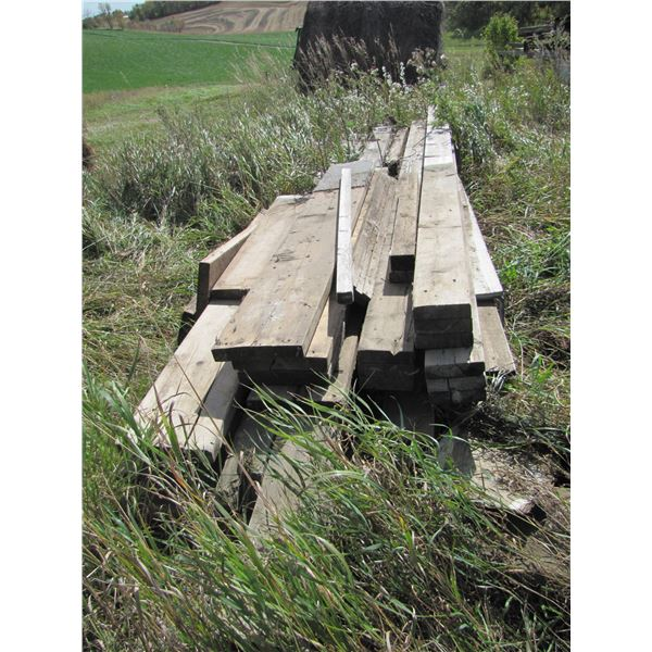 lot of assorted dimensional lumber