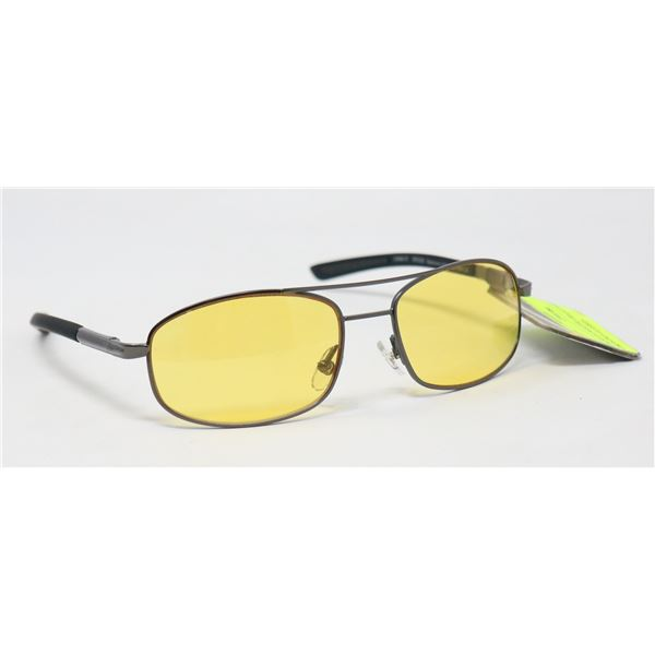 PAIR OF FOSTER GRANT NIGHT DRIVING GLASSES