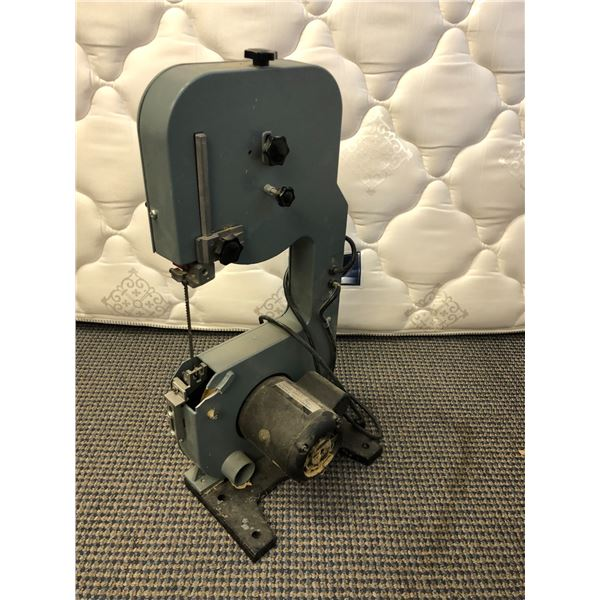 King 8in wood bandsaw (missing blade cover plate)