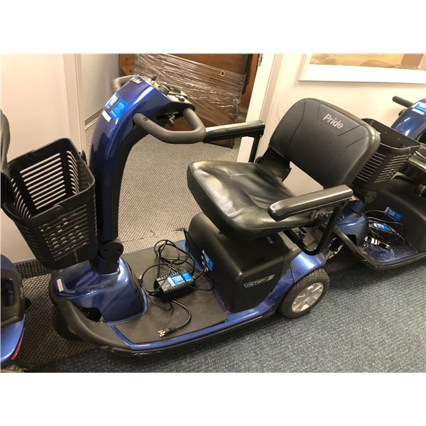 """Pride """"Victory 10"""" power mobility scooter w/ charger (POWERS UP, TROUBLE LIGHT FLASHING & WONT DRIVE"""