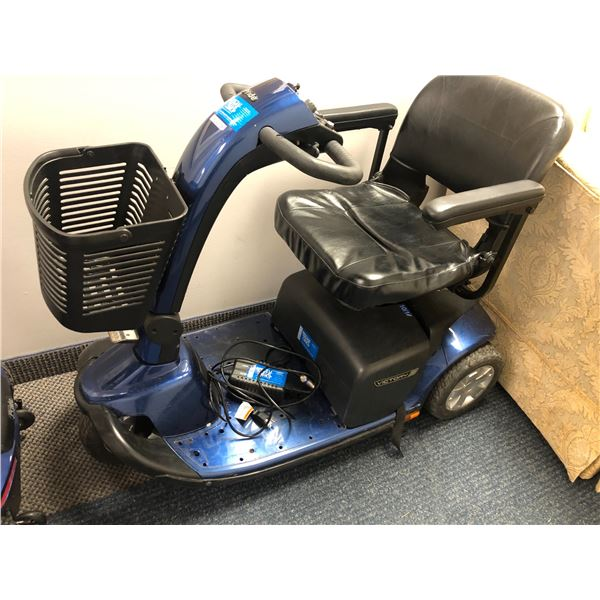 """Pride """"Victory 10"""" power mobility scooter w/ charger (BATTERY WON'T CHARGE, NEEDS NEW BATTERY)"""