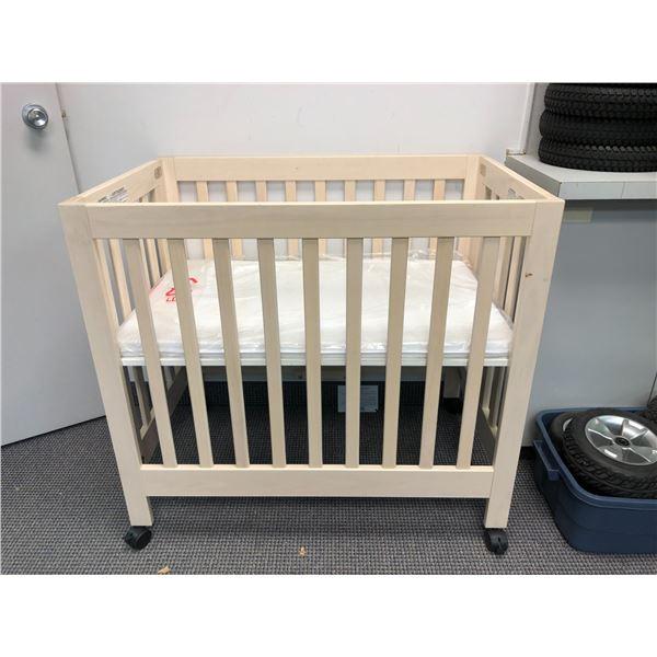 Medical assist baby crib