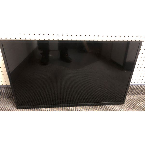 Samsung 32in TV - good working order (missing base stand)
