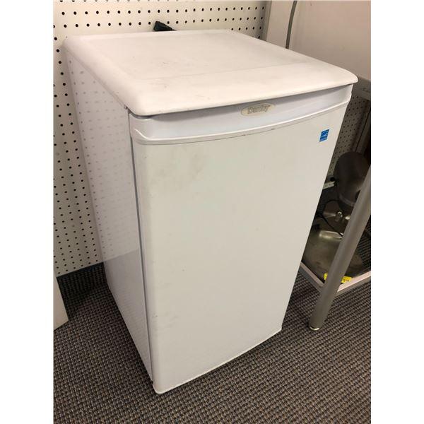 Danby white compact/ bar fridge
