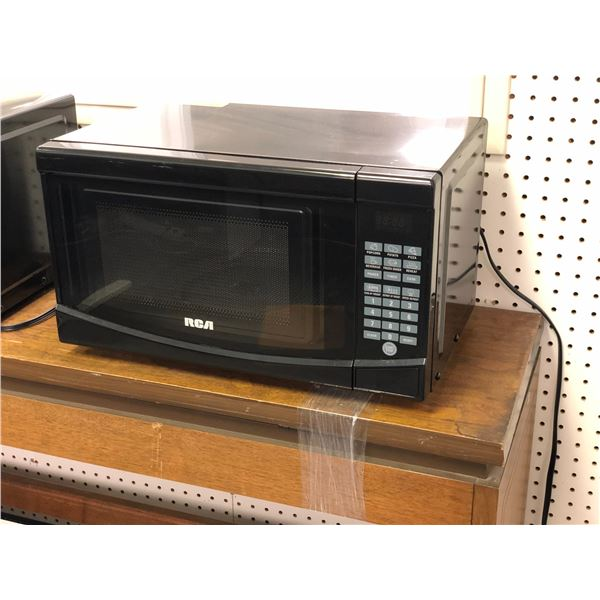 RCA small black microwave oven