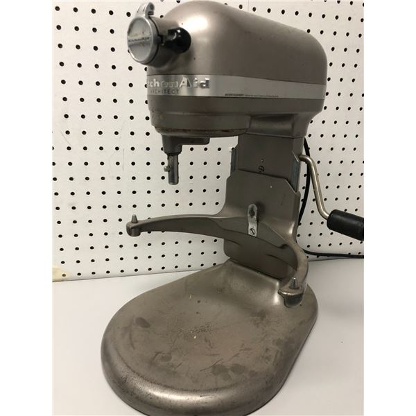 KitchenAid stand mixer - missing bowl (FOR PARTS OR REPAIR ONLY)