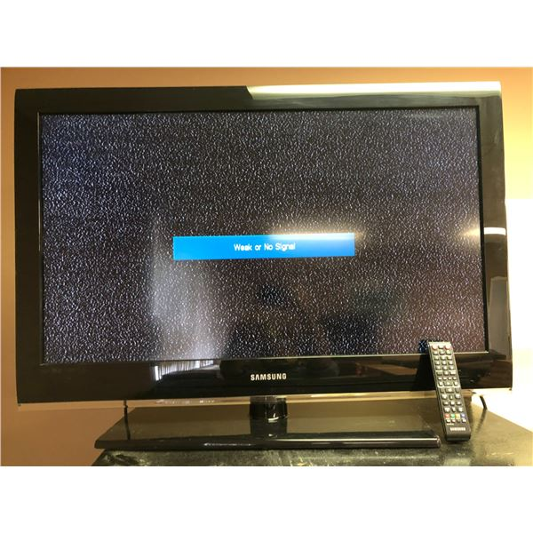 Samsung 37in TV plugged in & working w/ remote