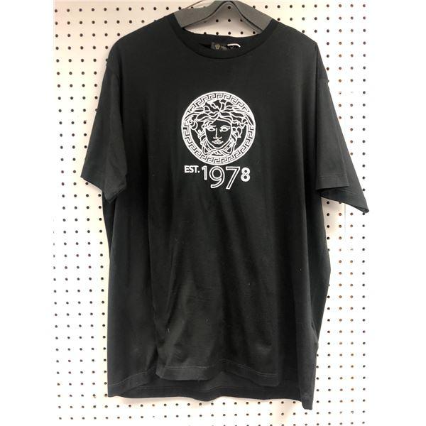 Versace logo black t-shirt size M black - retail value $980