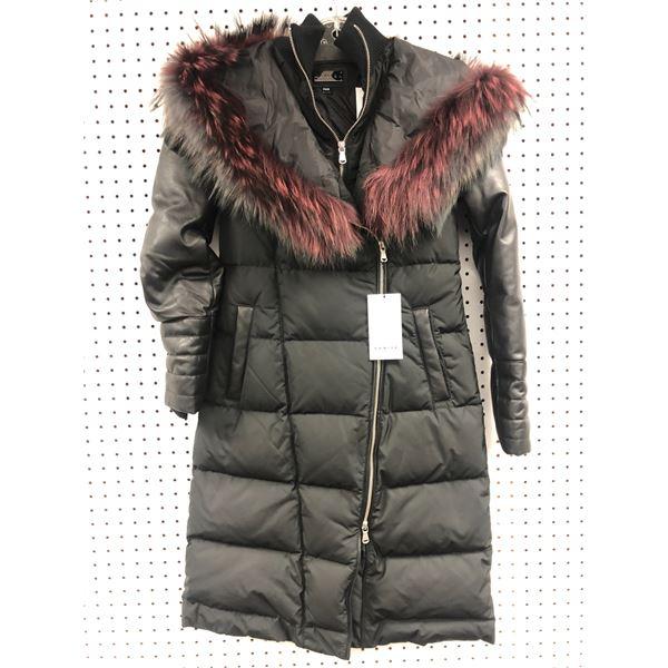 Danier Addison ladies faux fur collar black winter jacket size 2XS - retail value $767