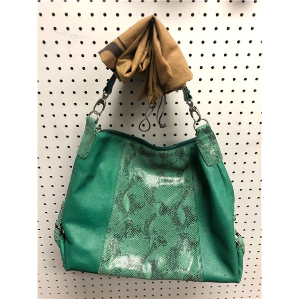 Soprano Made in Italy ladies designer hand bag green
