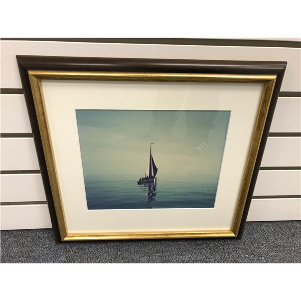 Framed sailboat photograph - approx. 9 1/2in x 8in