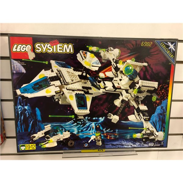 LEGO System 6982 Exploriens Starship 652 pcs. (NOS)